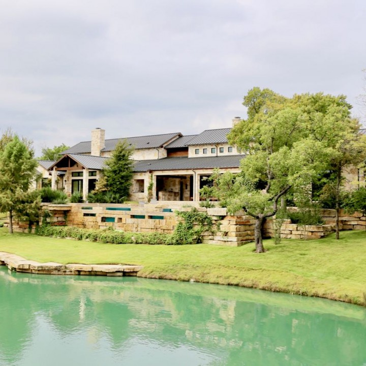 Contemporary Hill Country L82